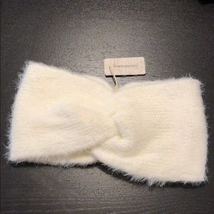 Franchesca's Ivory Twist Earband NWT